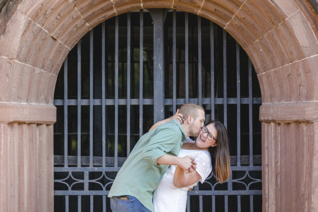 engagement session downtown