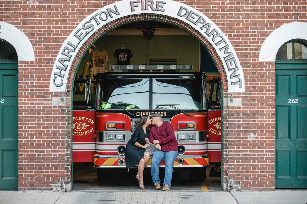 Engagementphotocharlestonfire